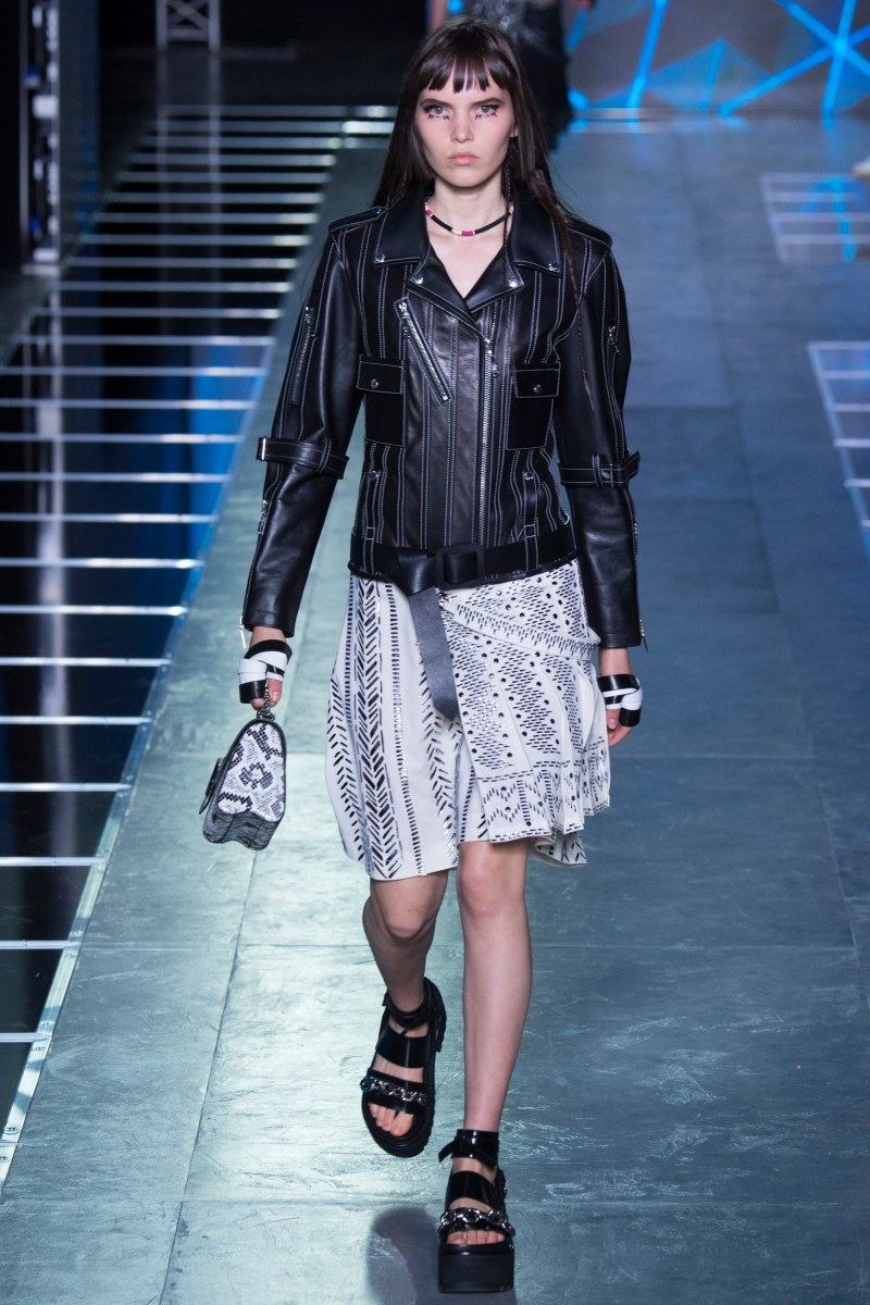 Louis Vuitton Ready To Wear SS 2016 PFW  (2)