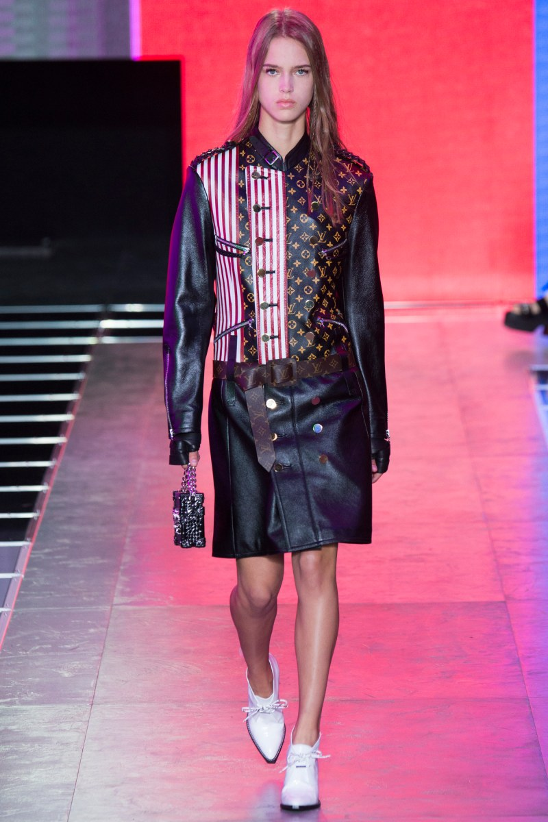 Louis Vuitton Ready To Wear SS 2016 PFW  (34)