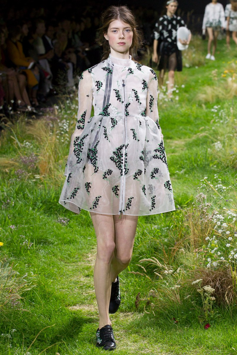 Moncler Gamme Rouge Ready To Wear SS 2016 PFW (17)