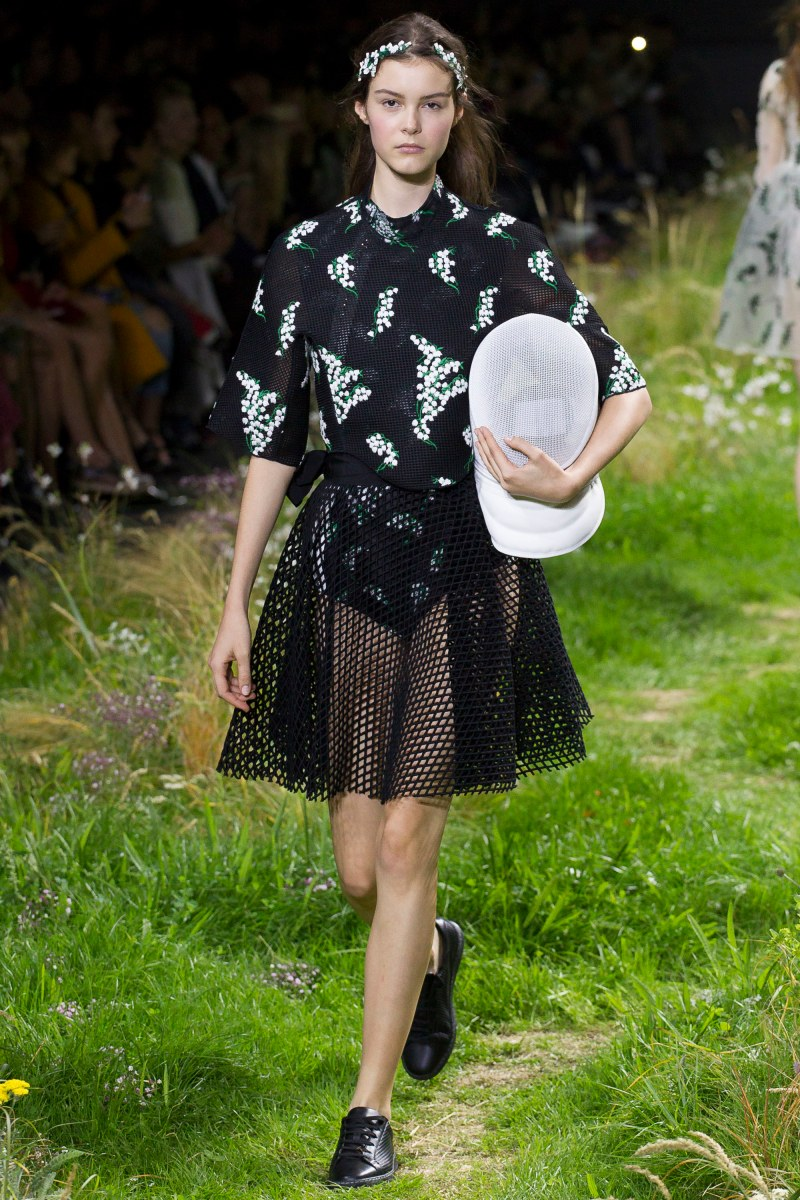 Moncler Gamme Rouge Ready To Wear SS 2016 PFW (18)