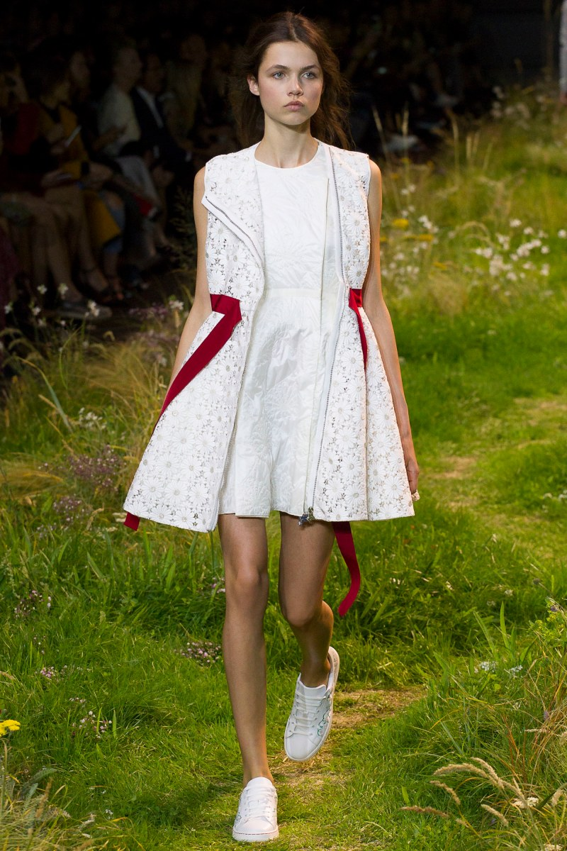 Moncler Gamme Rouge Ready To Wear SS 2016 PFW (32)
