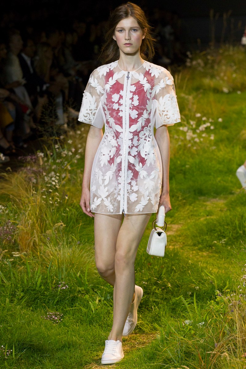 Moncler Gamme Rouge Ready To Wear SS 2016 PFW (39)