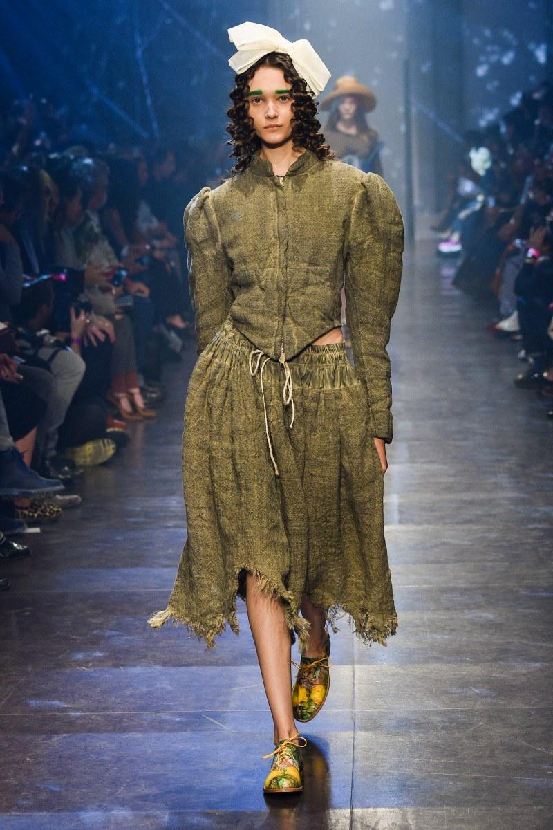 Vivienne Westwood Ready To Wear SS 2016 PFW (33)