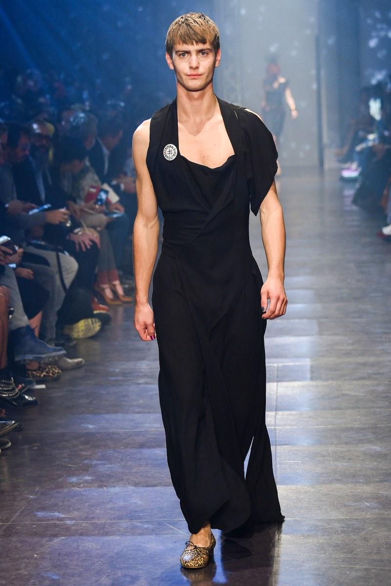 Vivienne Westwood Ready To Wear SS 2016 PFW (40)