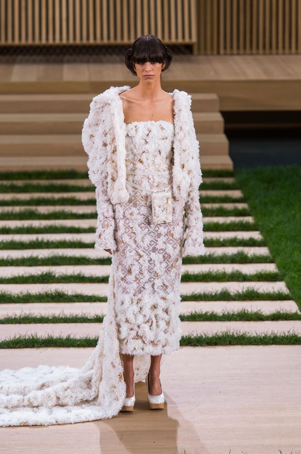 chanel-haute-couture-spring-2016-pfw84