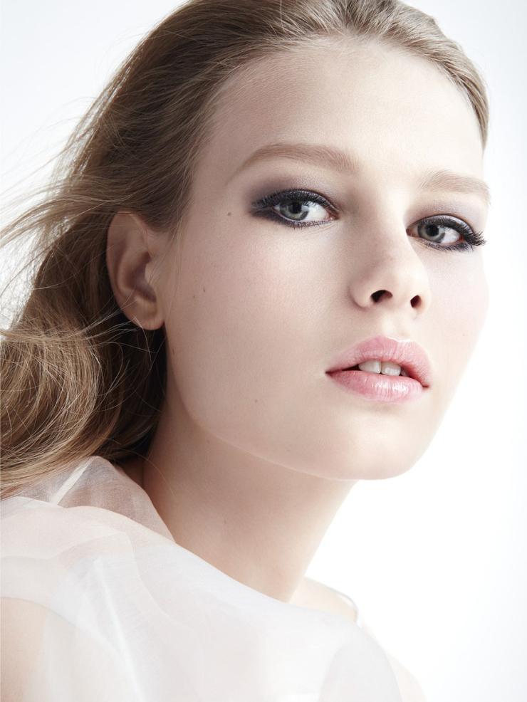 Sofia Mechetner by Camilla Akrans (3)