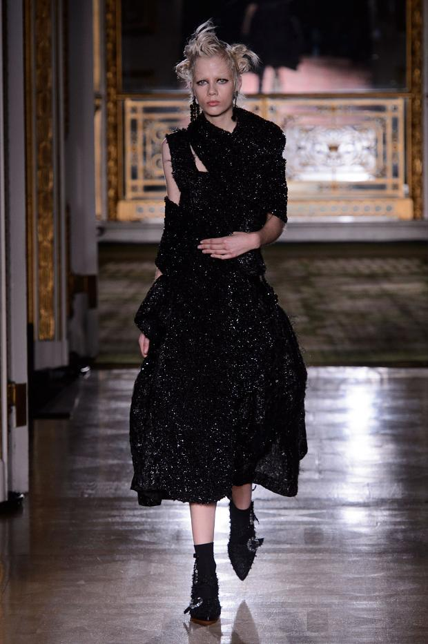 simone-rocha-autumn-fall-winter-2016-lfw40