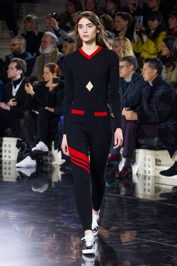 courreges-autumn-fall-winter-2016-pfw1