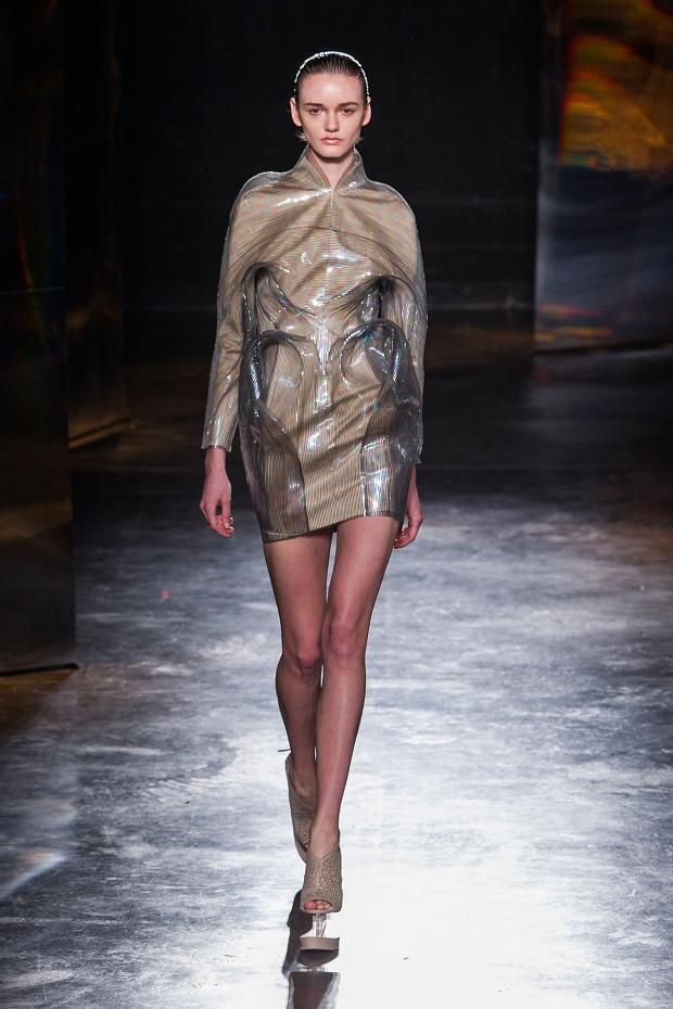 iris-van-herpen-autumn-fall-winter-2016-pfw13