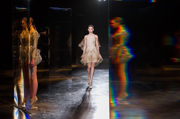 iris-van-herpen-autumn-fall-winter-2016-pfw20