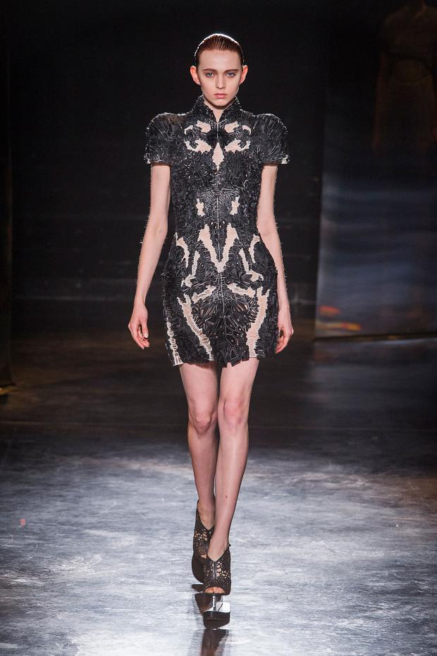 iris-van-herpen-autumn-fall-winter-2016-pfw22
