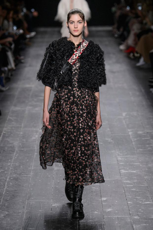 valentino-autumn-fall-winter-2016-pfw62