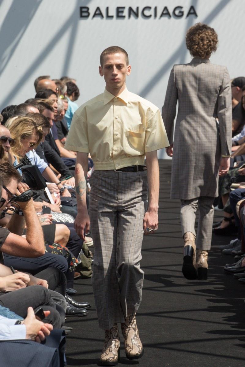 Balenciaga Menswear SS 2017 Paris (10)