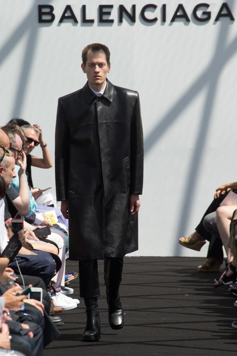 Balenciaga Menswear SS 2017 Paris (13)