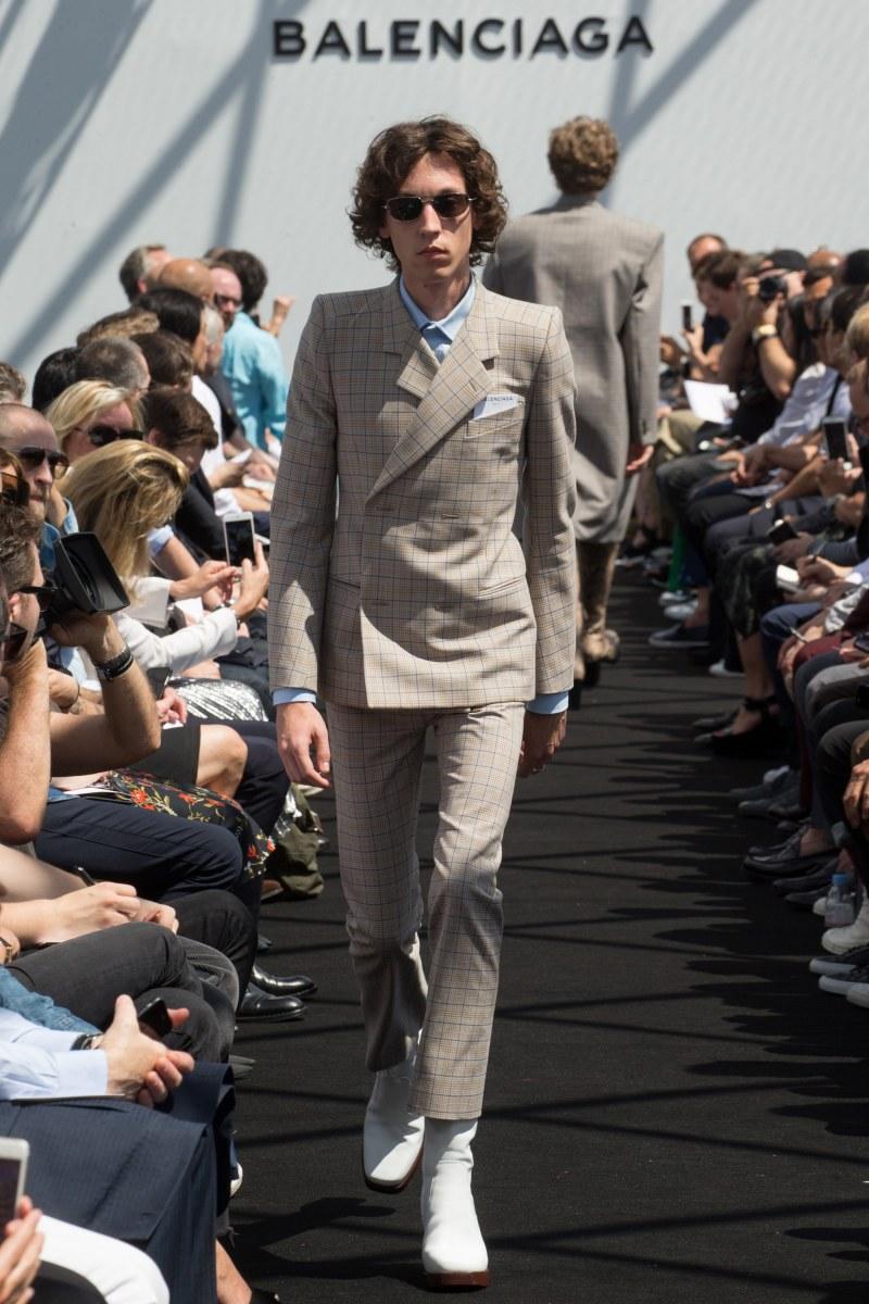 Balenciaga Menswear SS 2017 Paris (8)