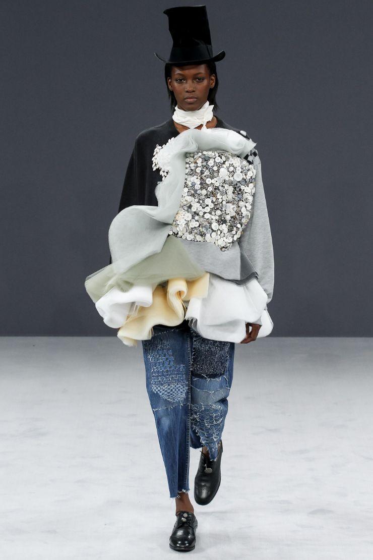 Viktor & Rolf Haute Couture FW 2016 Paris (21)
