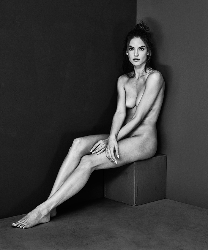 mariano_vivanco_portraits_nudes_flowers-38