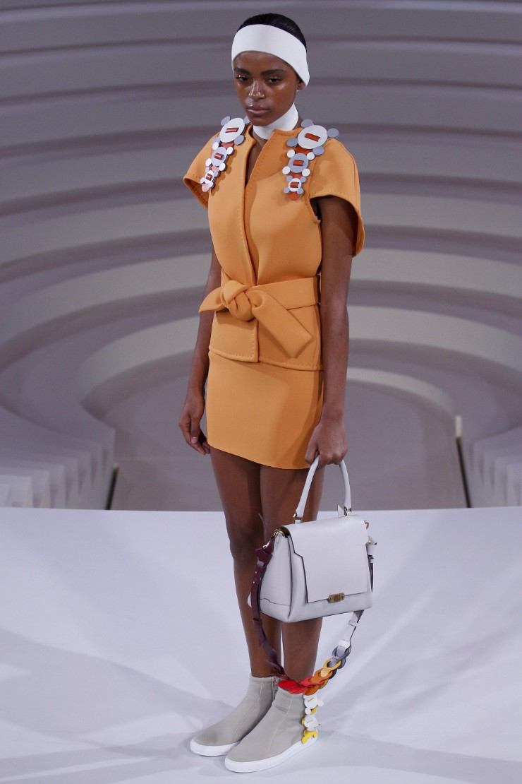 anya-hindmarch-ready-to-wear-ss-2017-lfw-11