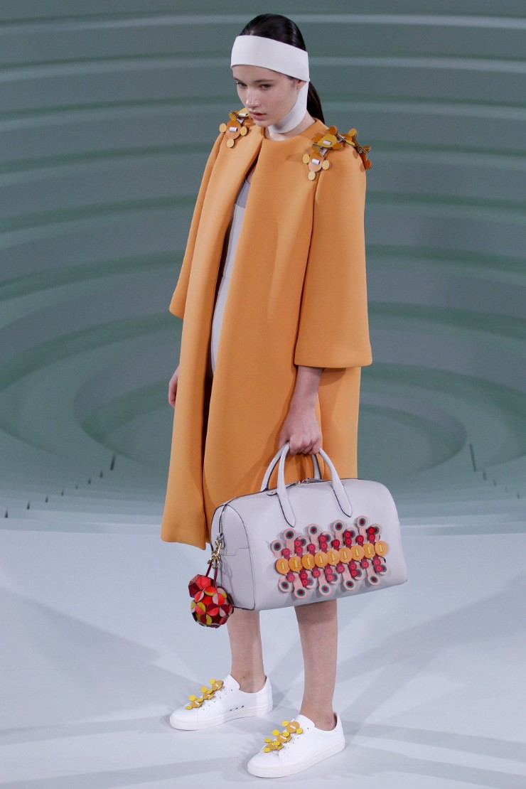 anya-hindmarch-ready-to-wear-ss-2017-lfw-19