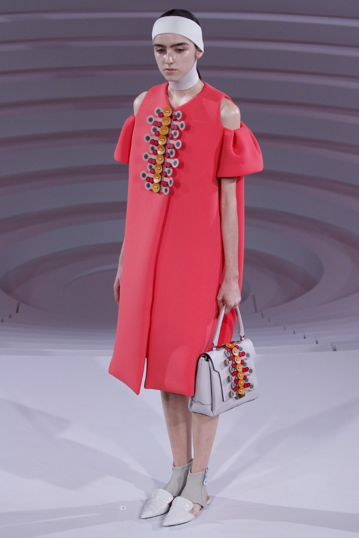 anya-hindmarch-ready-to-wear-ss-2017-lfw-9