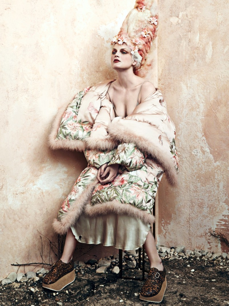 guinevere-van-seenus-by-bjorn-iooss-9