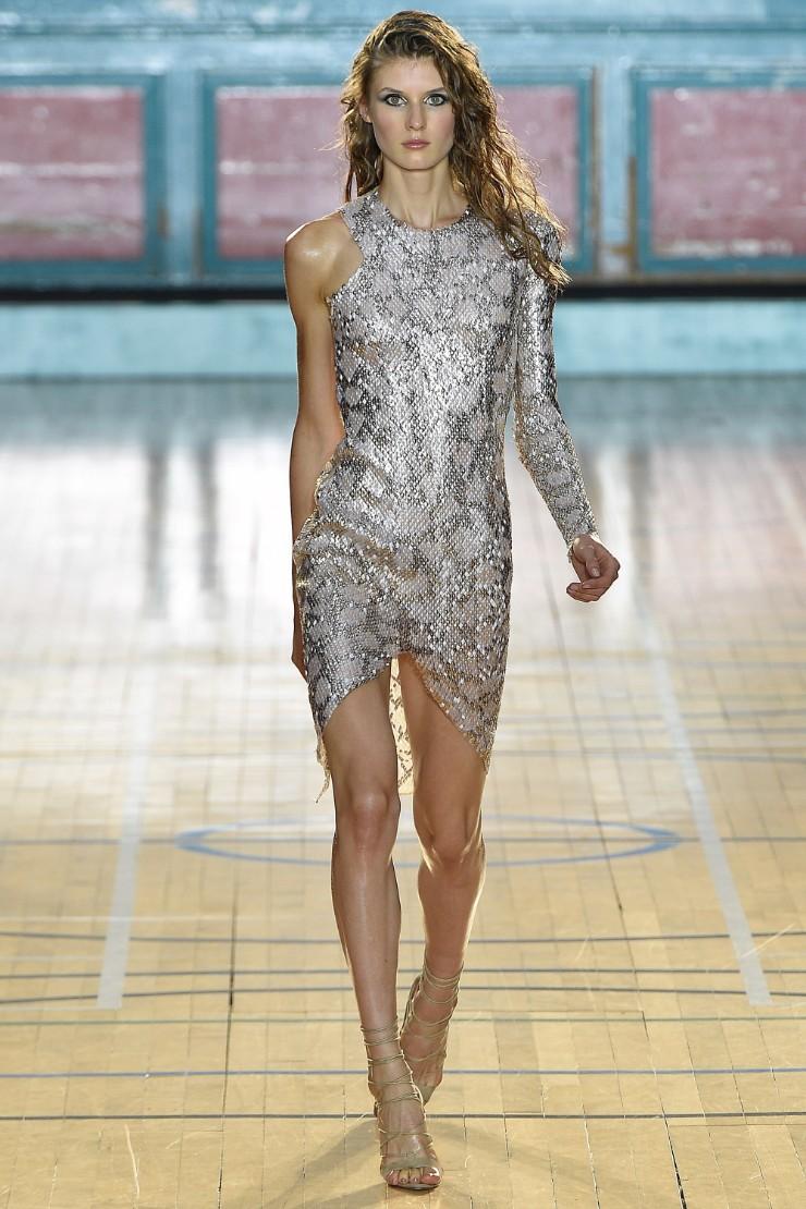 julien-macdonald-ready-to-wear-ss-2017-lfw-36