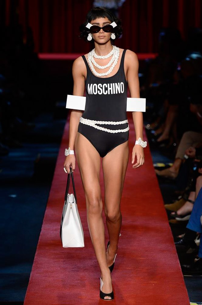 moschino-ready-to-wear-ss-2017-mfw-graveravens-19