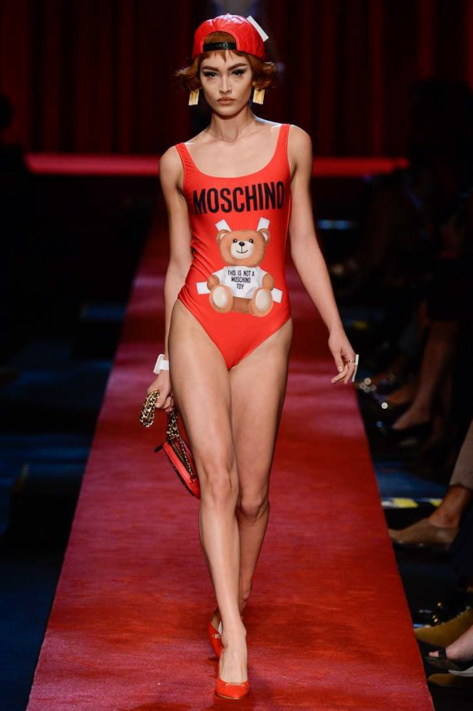 moschino-ready-to-wear-ss-2017-mfw-graveravens-26