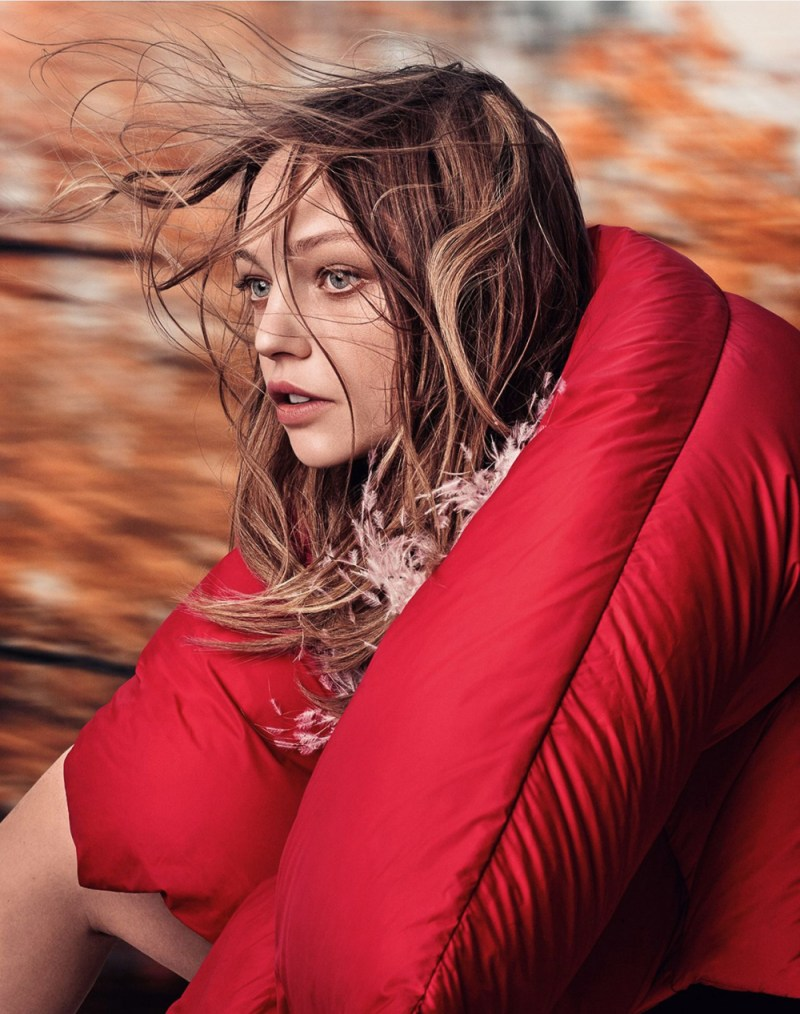 vogue-uk-october-2016-sasha-pivovarova-by-craig-mcdean-1