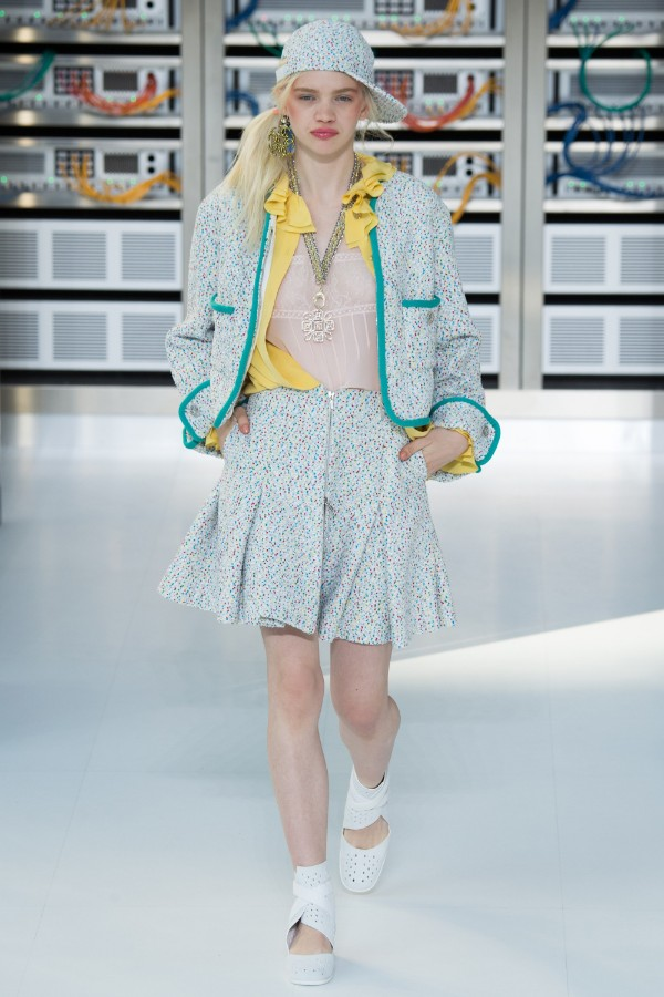 chanel-ready-to-wear-ss-2017-pfw-10