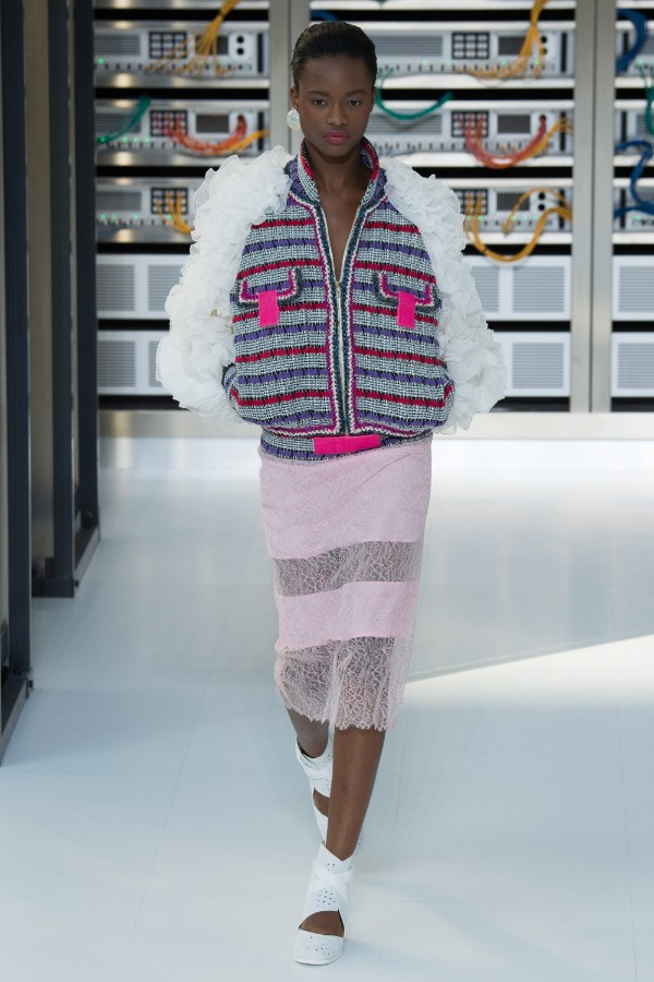 chanel-ready-to-wear-ss-2017-pfw-14