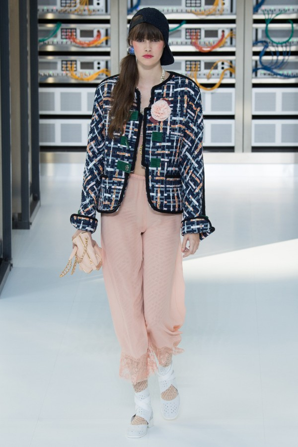 chanel-ready-to-wear-ss-2017-pfw-22