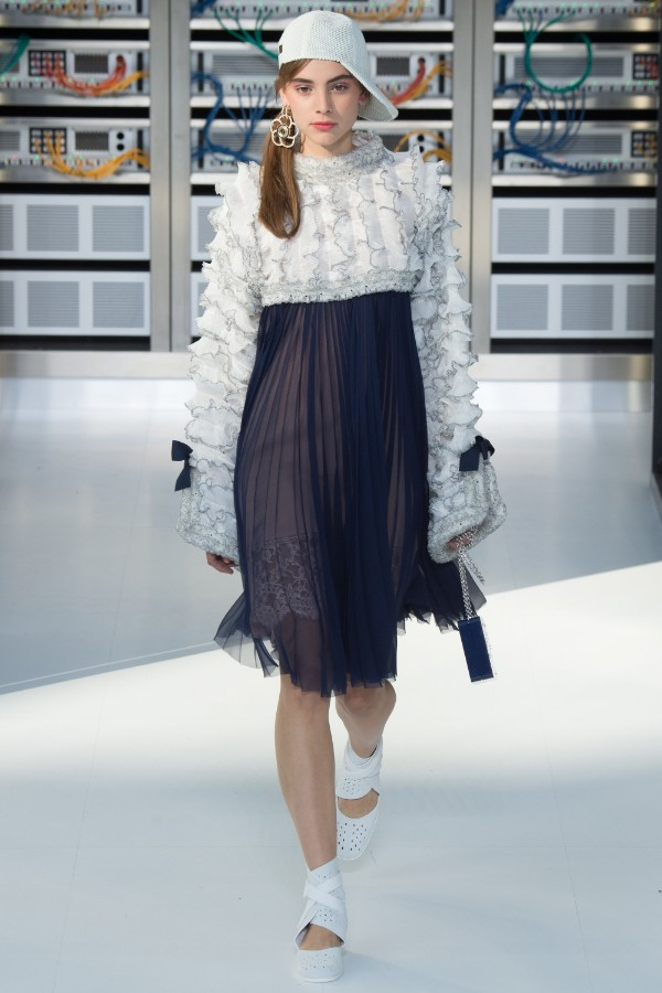 chanel-ready-to-wear-ss-2017-pfw-67