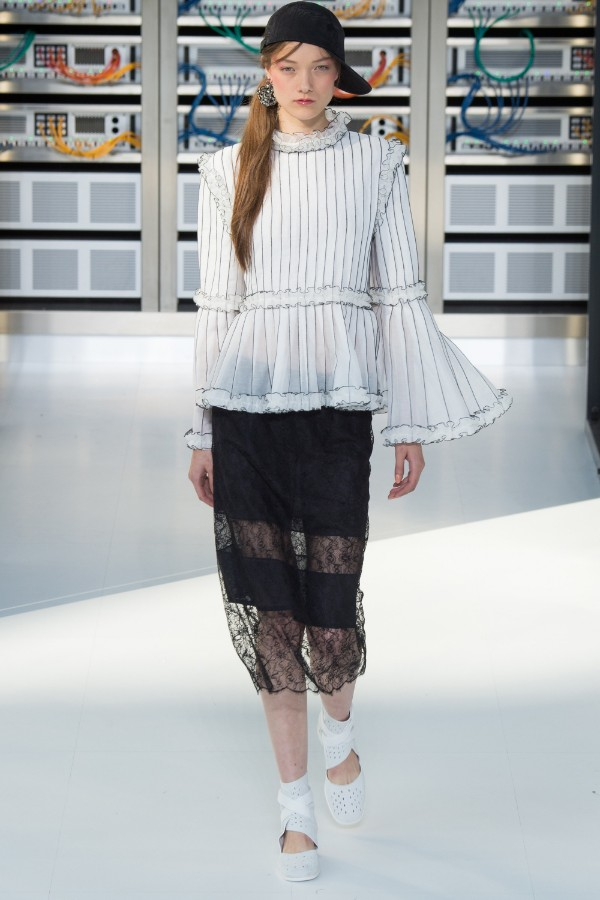 chanel-ready-to-wear-ss-2017-pfw-71