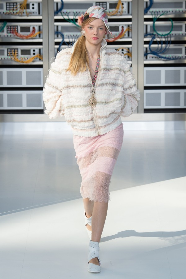 chanel-ready-to-wear-ss-2017-pfw-77