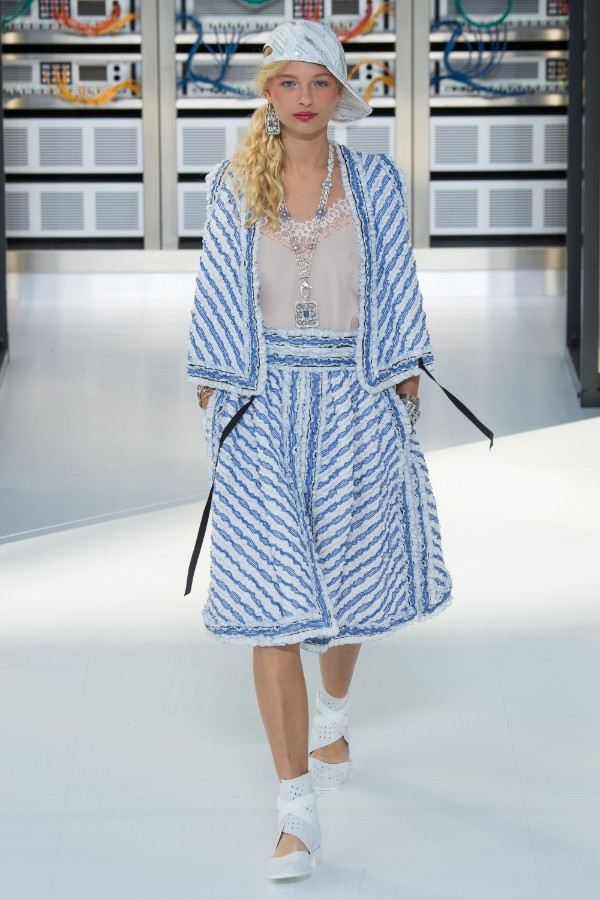 chanel-ready-to-wear-ss-2017-pfw-79