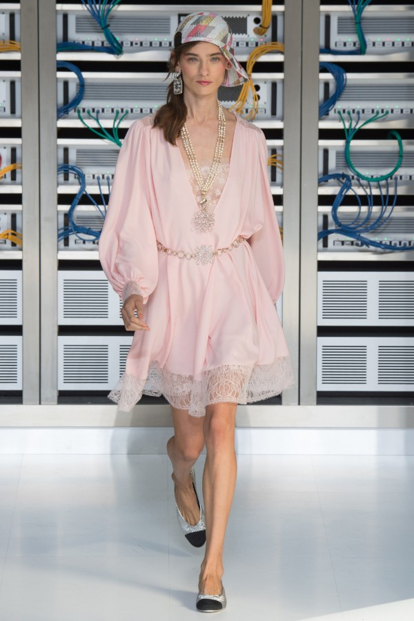 chanel-ready-to-wear-ss-2017-pfw-84
