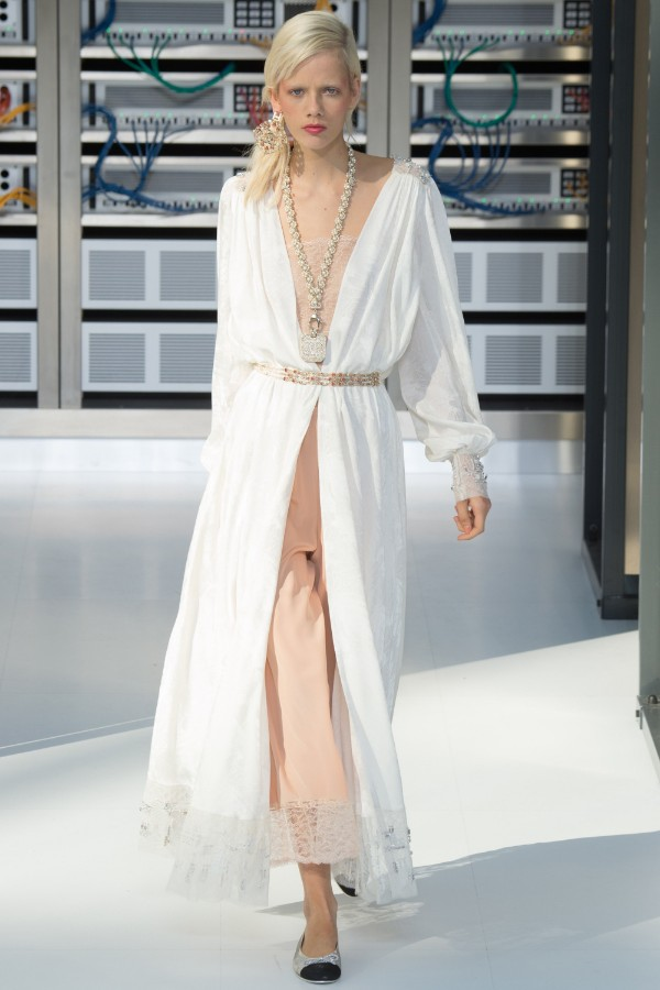 chanel-ready-to-wear-ss-2017-pfw-88