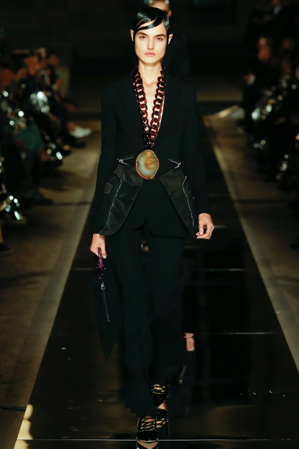 givenchy-ready-to-wear-ss-2017-pfw-4
