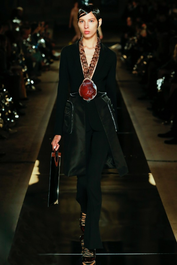 givenchy-ready-to-wear-ss-2017-pfw-6