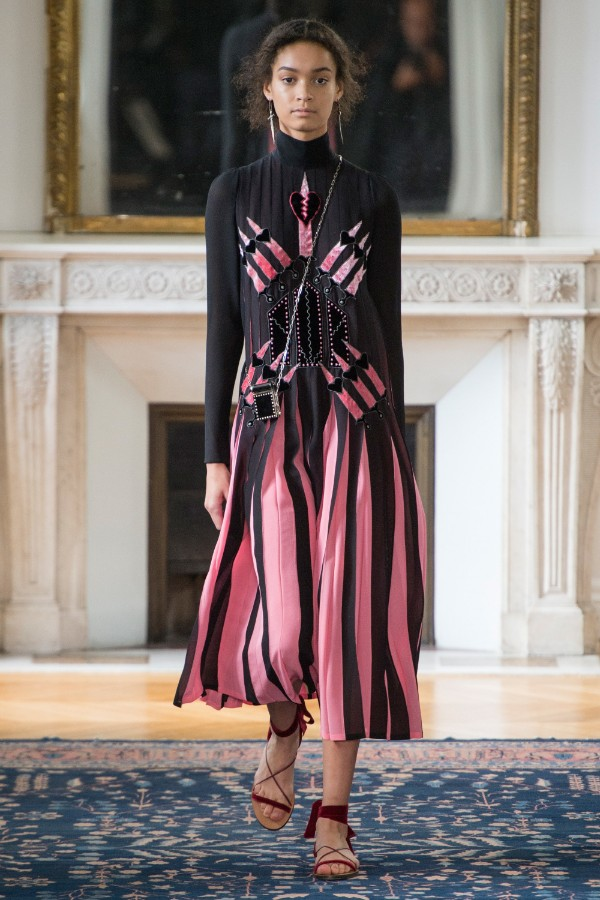 valentino-ready-to-wear-ss-2017-pfw-1