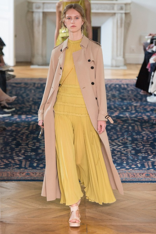 valentino-ready-to-wear-ss-2017-pfw-21