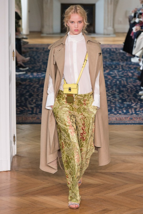 valentino-ready-to-wear-ss-2017-pfw-25