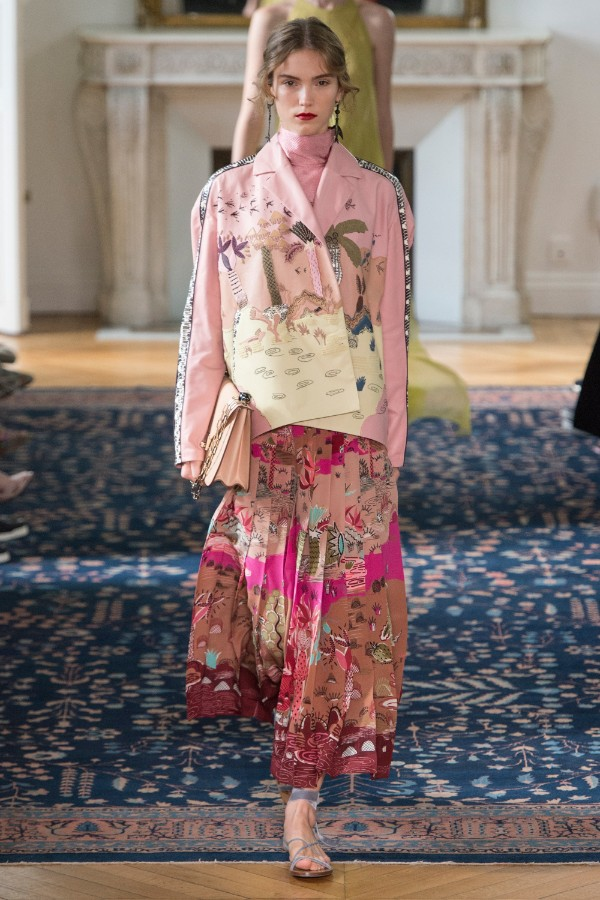 valentino-ready-to-wear-ss-2017-pfw-49