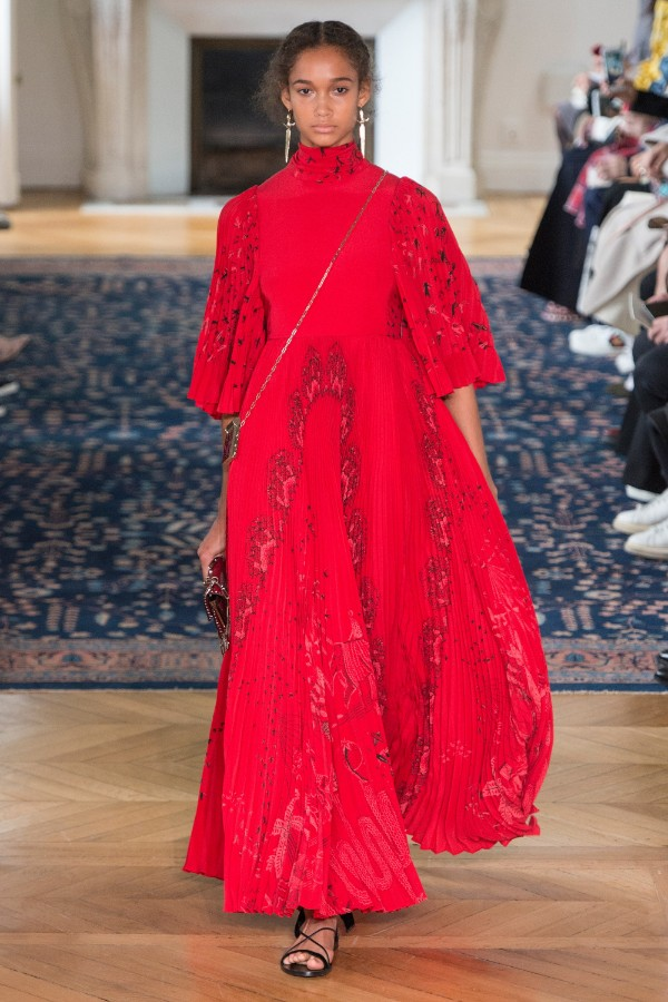 valentino-ready-to-wear-ss-2017-pfw-5