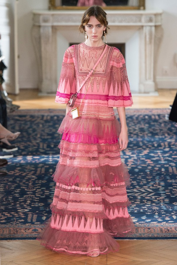 valentino-ready-to-wear-ss-2017-pfw-62