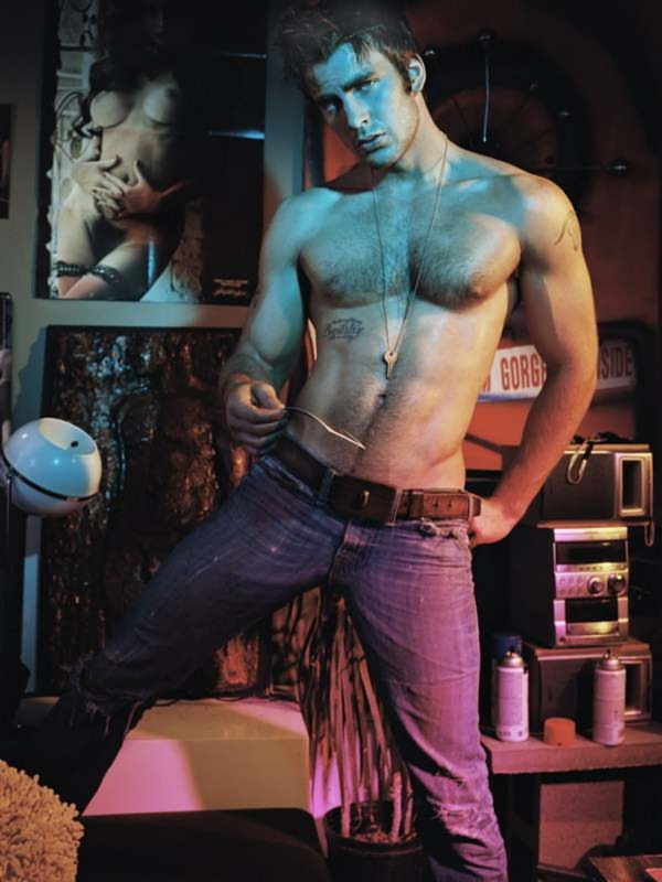 chris-evans-by-tony-duran-2004-editorial-throwback-1