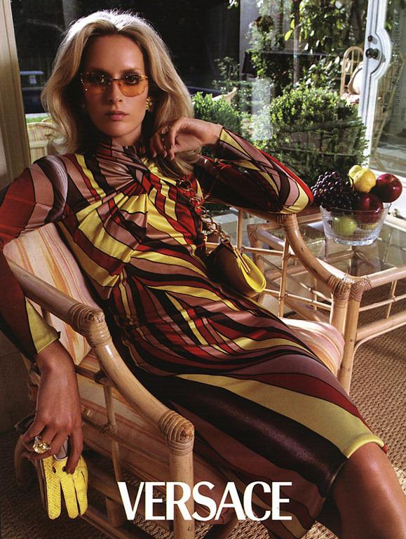 versace-fall-2000-by-steven-meisel-13