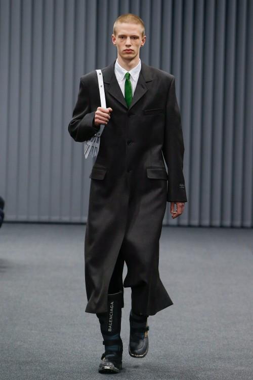 Balenciaga Menswear FW 2017 Paris1
