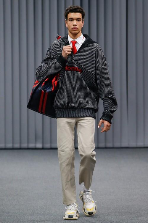 Balenciaga Menswear FW 2017 Paris32
